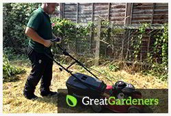 Reliable Lawn Mowing Service located in Oxford OX1